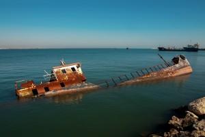 sinking ship shutterstock_158761796